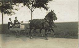 Feest te Kollumerpomp 1930.