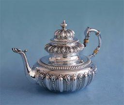 Abraham Sipma zilver theepot groot 1717