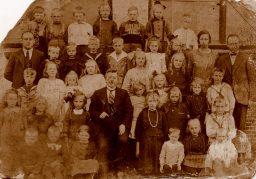 Schoolfoto Veenwoudsterwal rond 1925