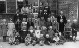 School Nes 1914