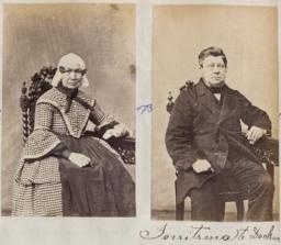 Dokkumers in oud fotoboek fotograaf Fuchs